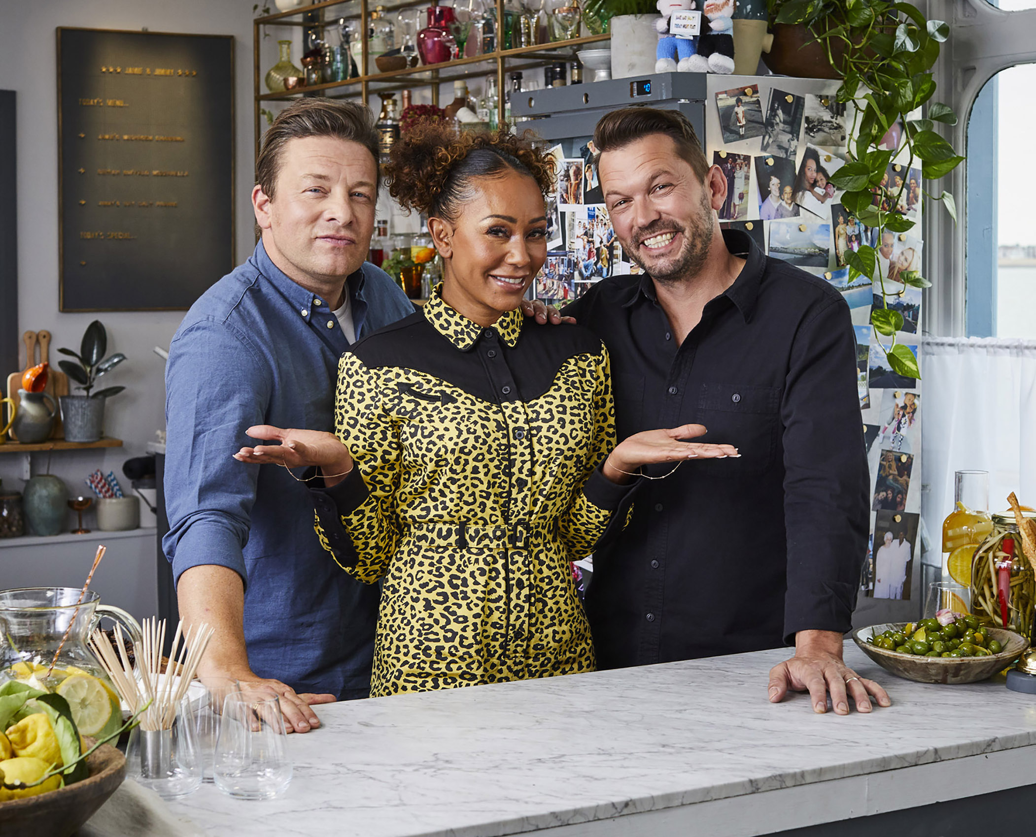 SteveRyan_Photographer_Portraits_People_FridaynightFeast_JamieOliver_MelB_JimmyDoherty_87