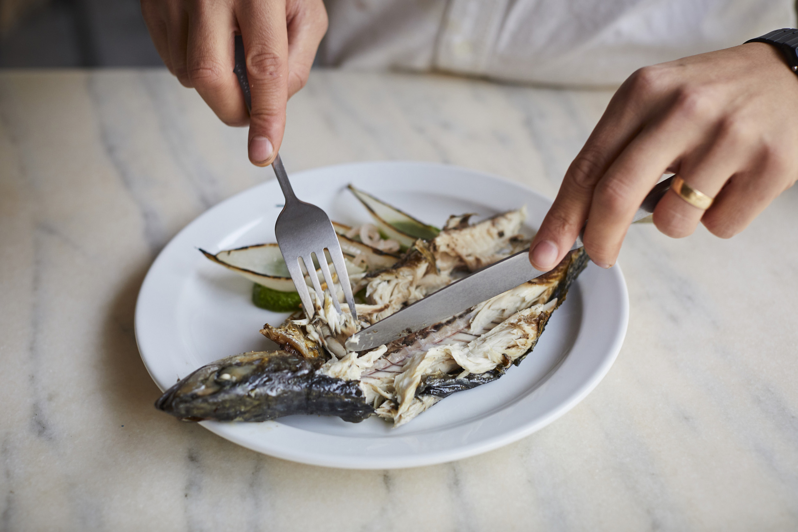 SteveRyan_Photographer_Reportage_EatingMackerel_55